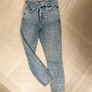 Abercrombie & Fitch Ultra High Rise Skinny Jeans